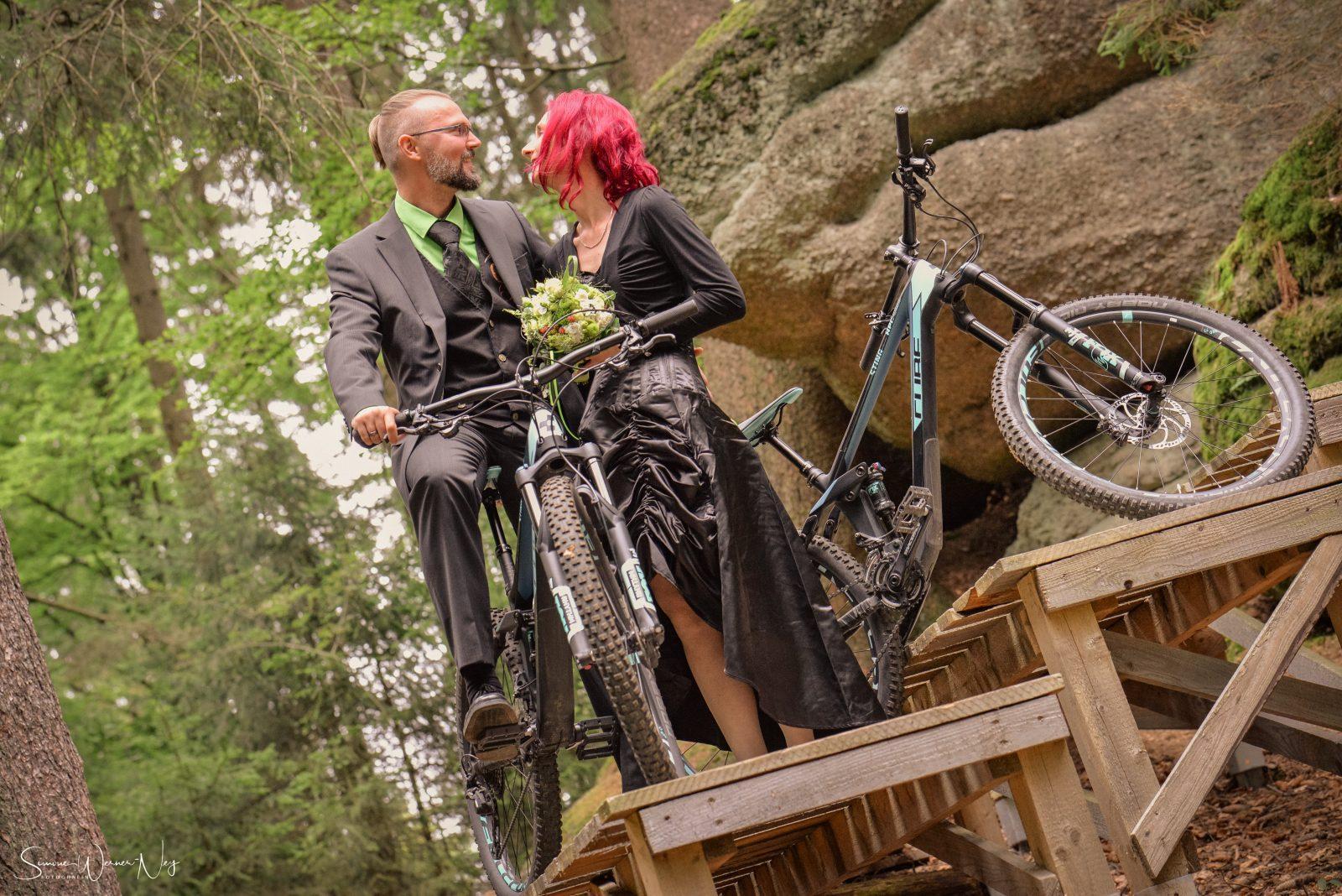 Hochzeitsfotos Mountainbikes Downhillstrecke Ochsenkopf